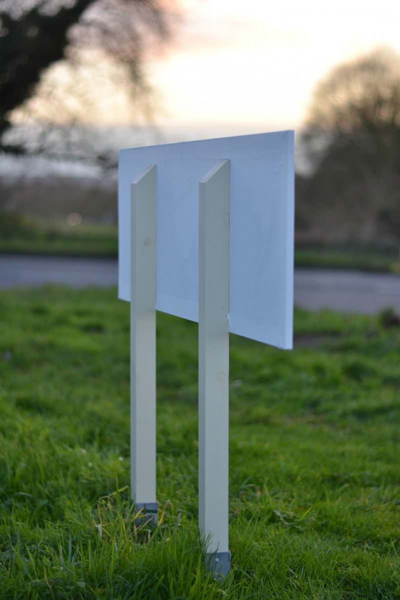 Vinly wooden sign